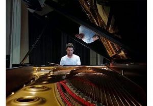 accordeur de piano - julien Vernaz - facteur de piano - piano riviera - vaud - valais - fribourg - vevey - montreux